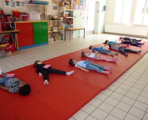 Yoga enfants et relaxation Oise école Valdampierre