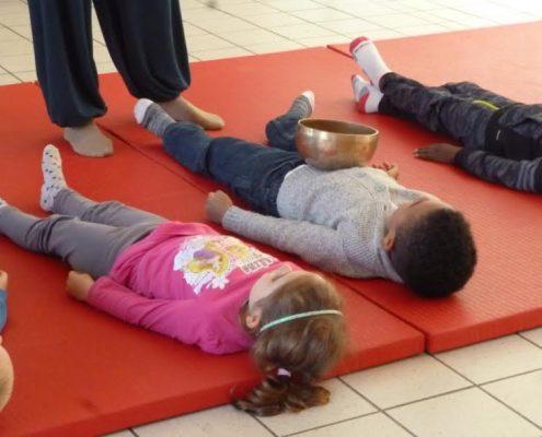 Bols tibétains enfants Oise école Valdampierre